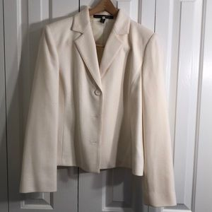 Ellen Tracy size 14 beautiful cream  wool jacket